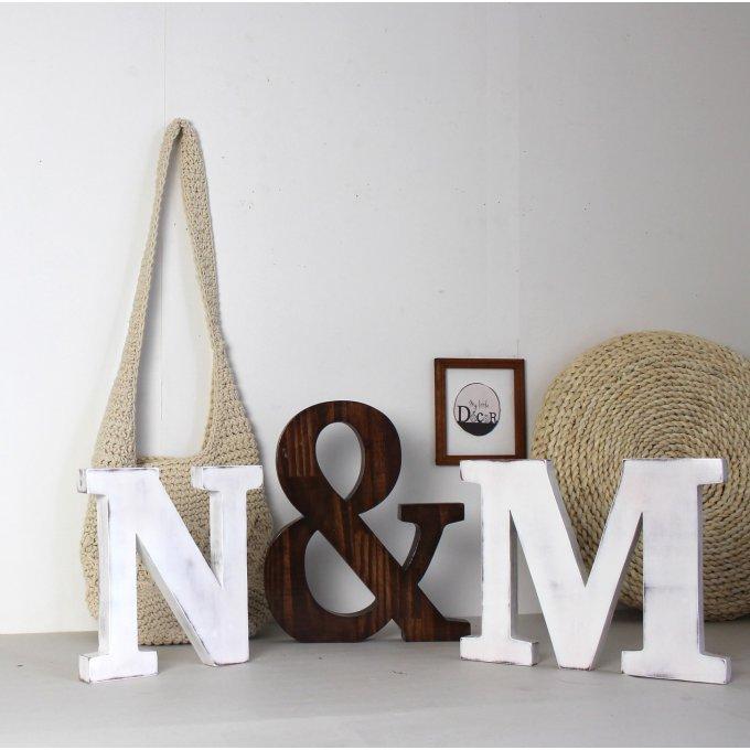 lettres et esperluette en bois mylittledecor cr ation. Black Bedroom Furniture Sets. Home Design Ideas