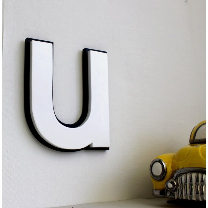 lettre murale blanche et noire. Black Bedroom Furniture Sets. Home Design Ideas